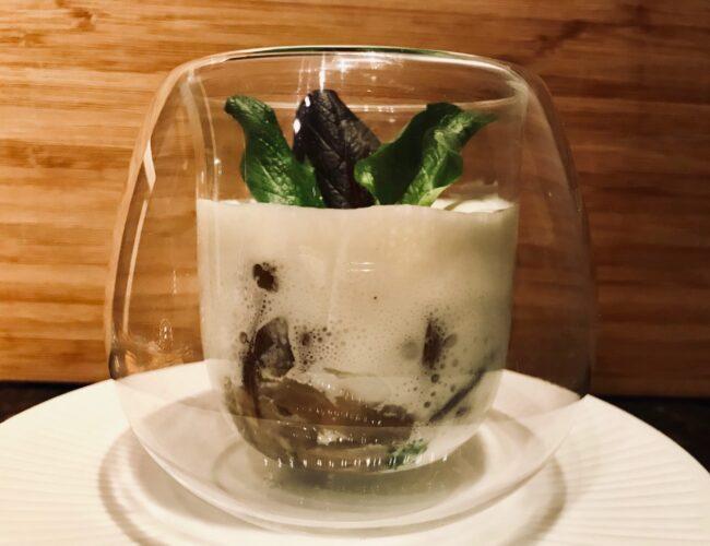 Œufs parfaits aux champignons et mousse de parmesan