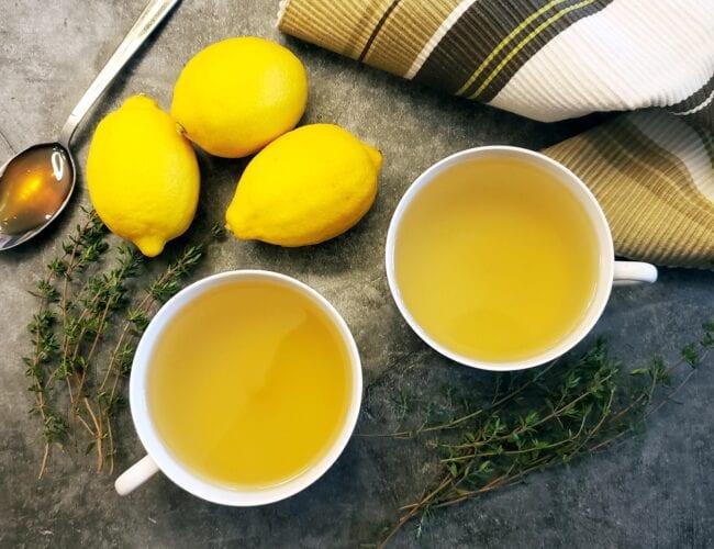 Tisane au thym, miel, citron et gingembre